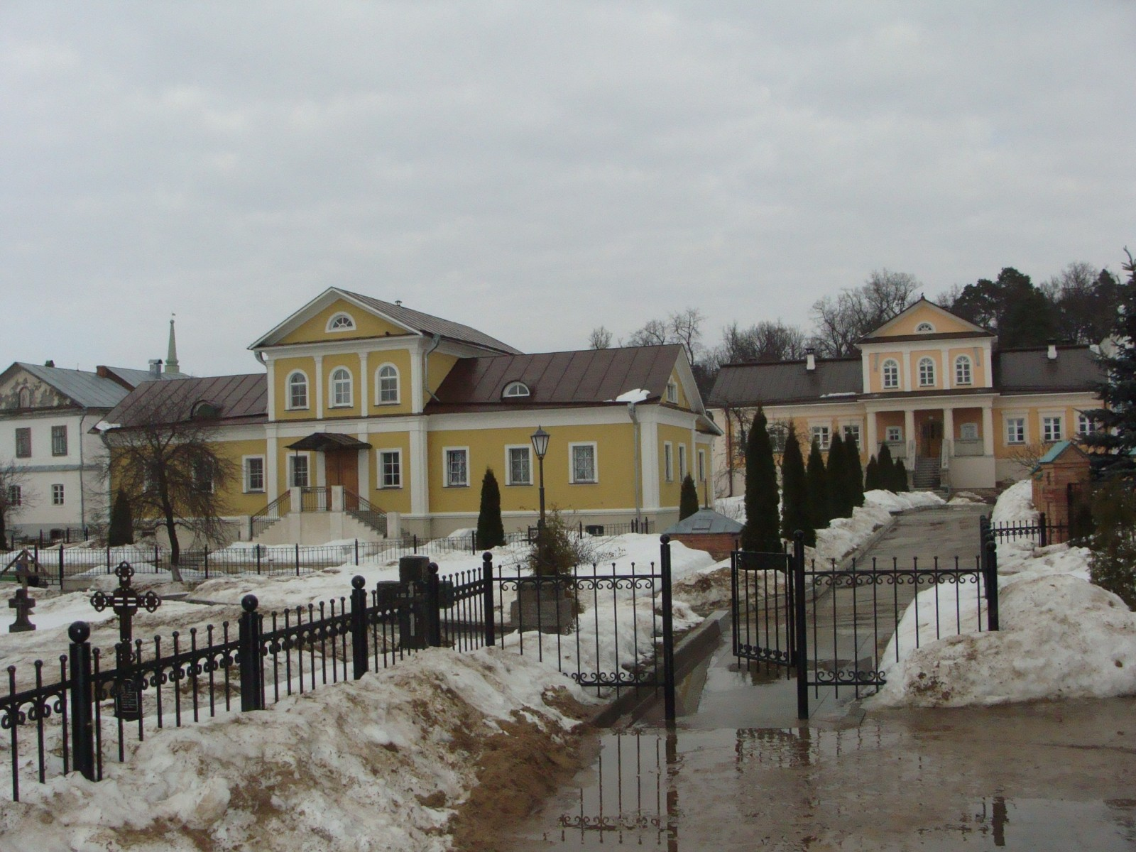 март 2010