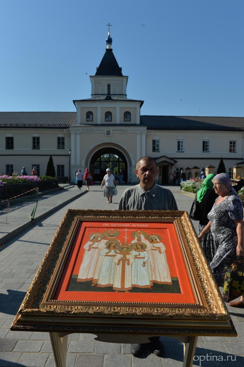 Крестный ход в день памяти царственных страстотерпцев