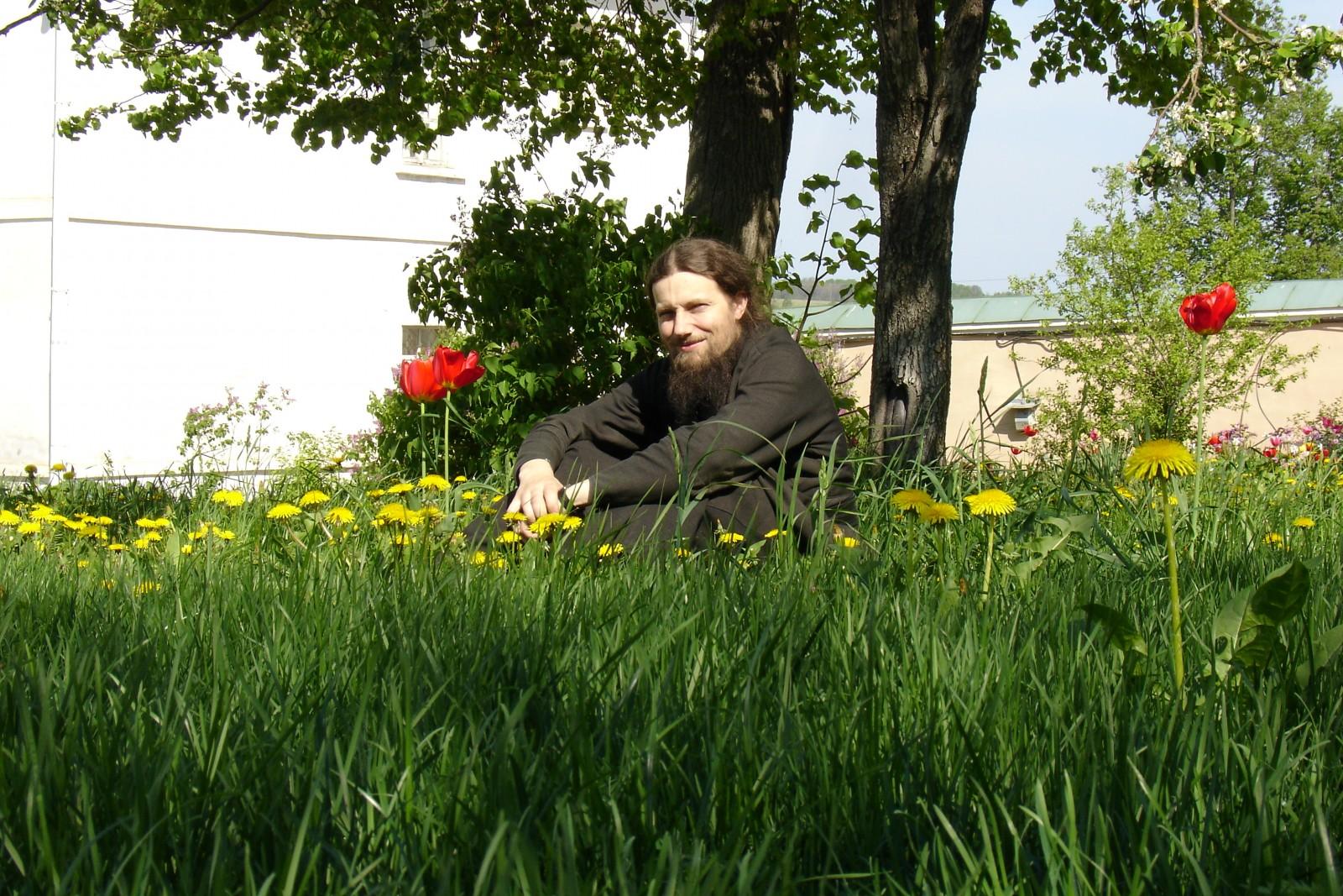 Батюшка Виталий из архива 2005 года