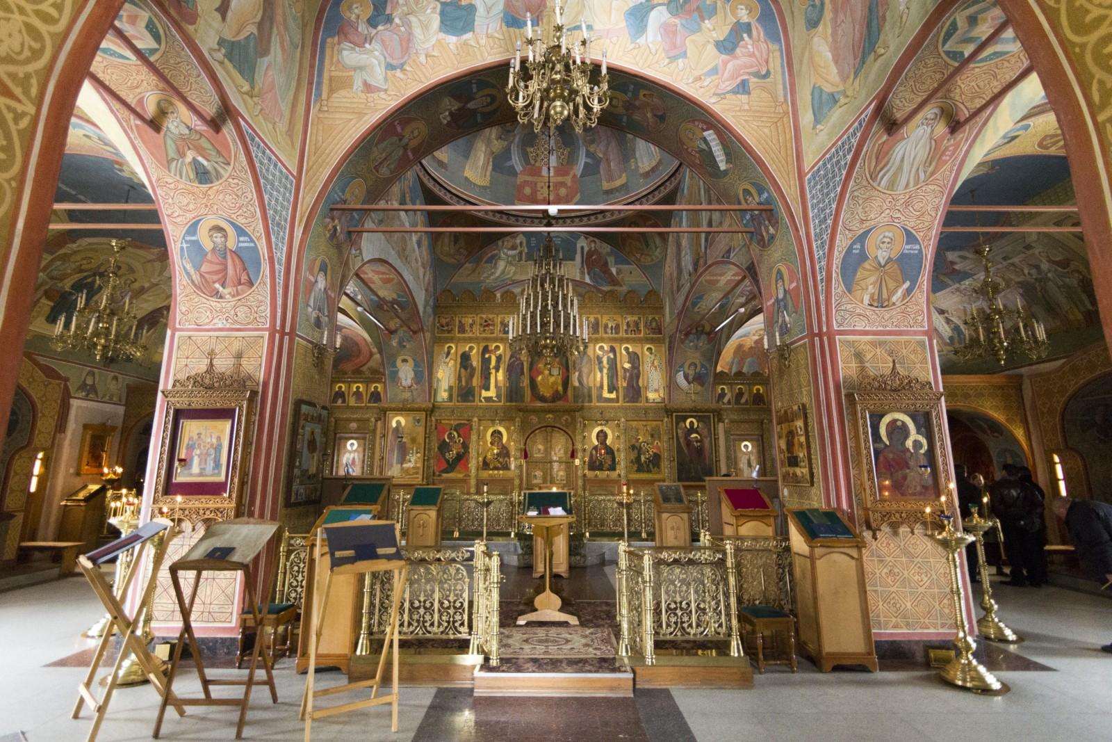 Владимирский храм.