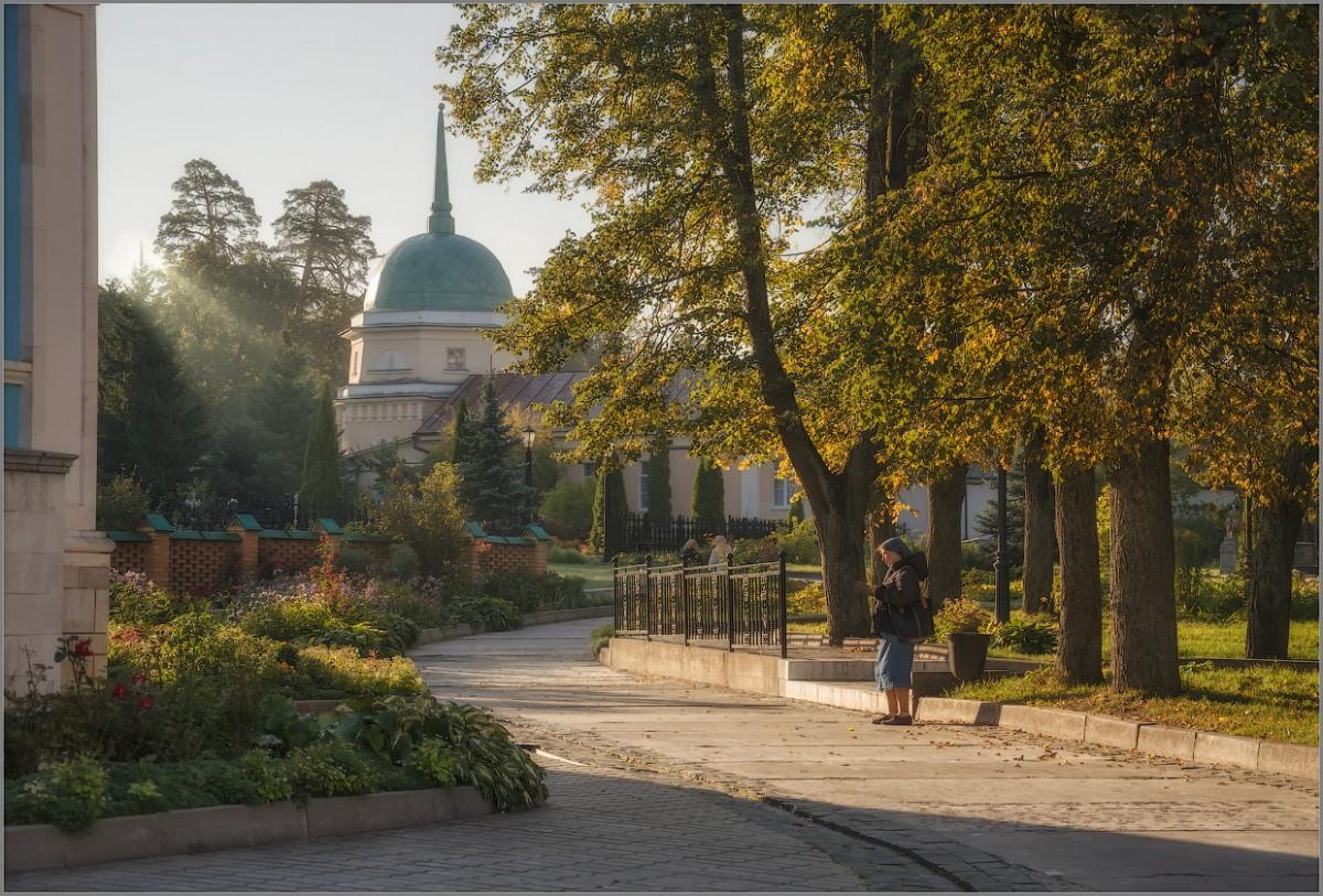 Осеннее утро в Оптиной (снимок сделан 8 сентября 2014 г.)