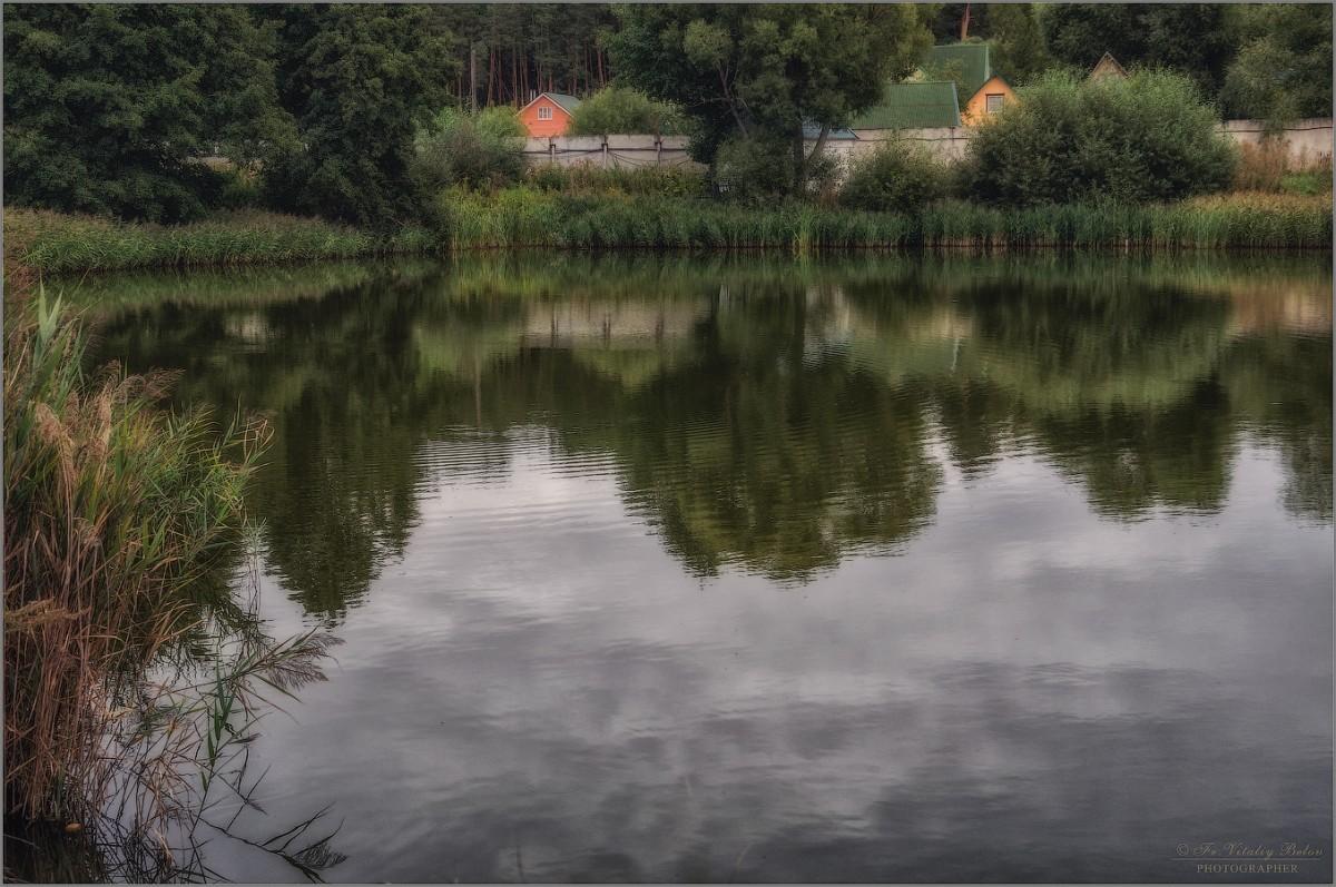 Монастырский пруд (снимок сделан 1 сентября 2015 г.)
