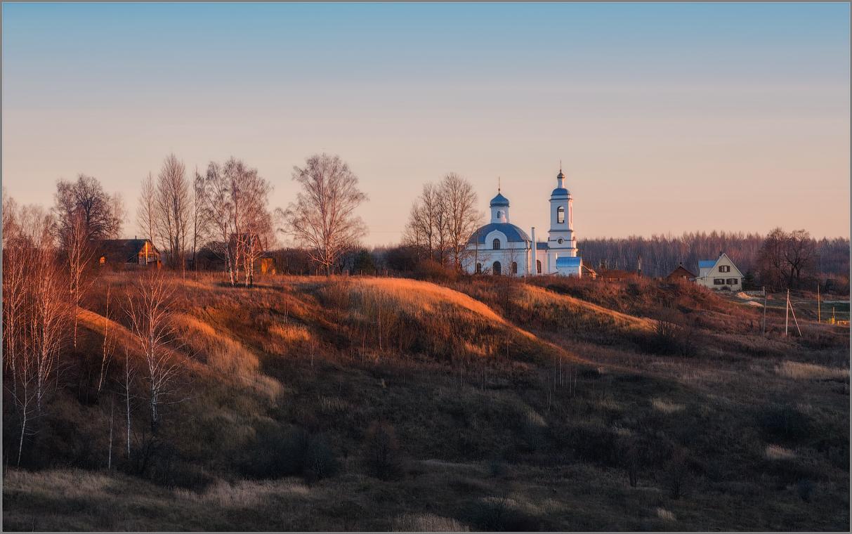 Ильинский храм в селе Ильинское (снимок сделан 26 октября 2014 г.)