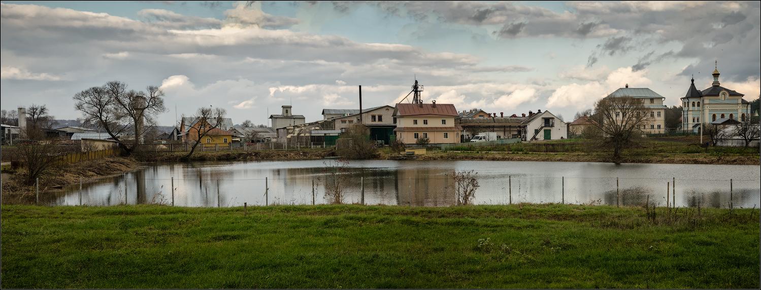 Монастырское хозяйство ( Снимок сделан 25 октября 2013 г.)