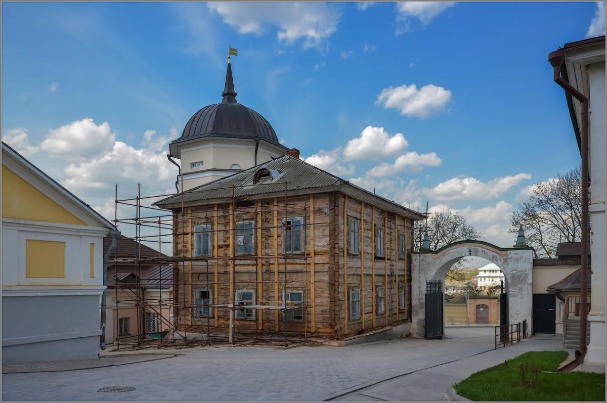 Старый дом (снимок сделан 26 апреля 2012 г.)