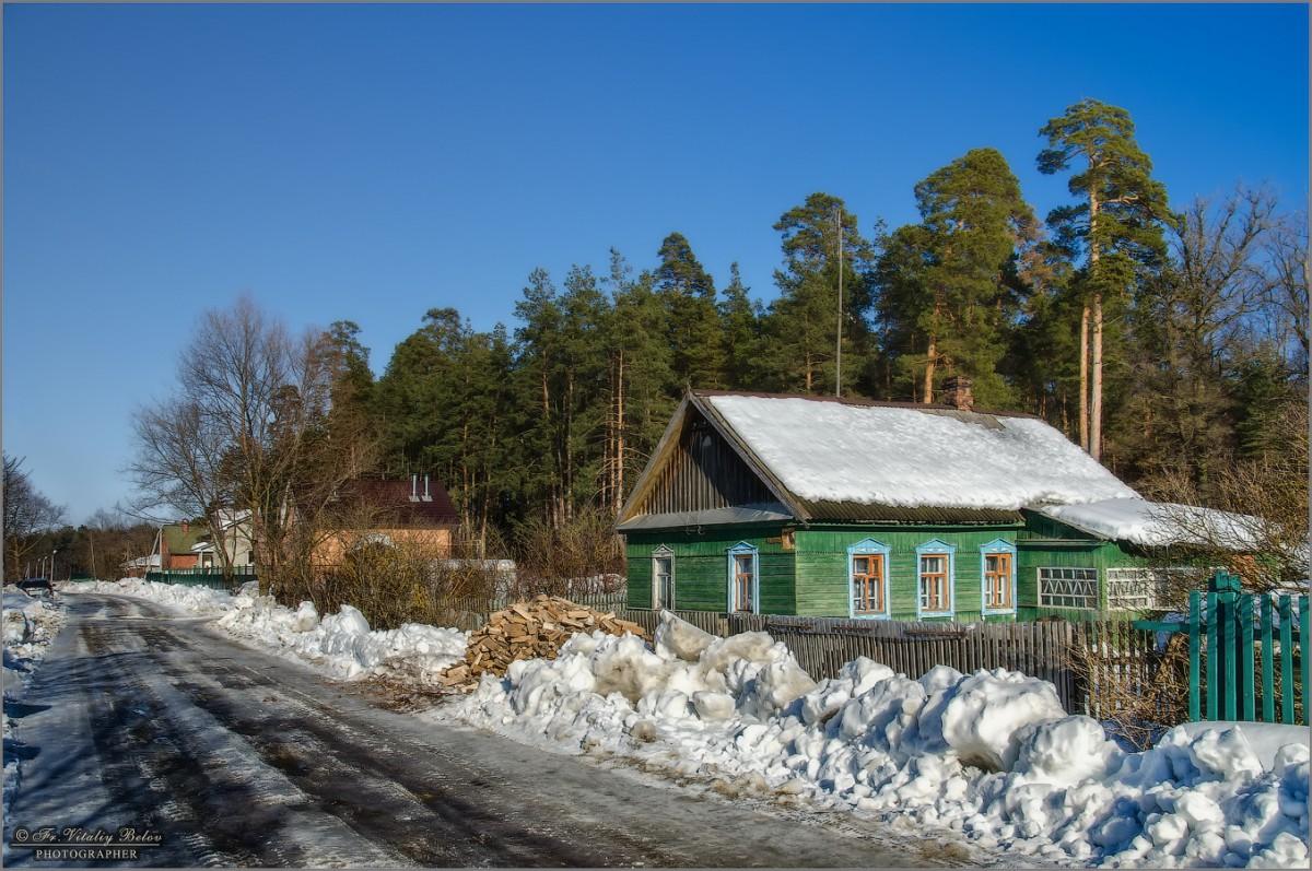По улице Лермонтова (снимок сделан 25 февраля 2013 г.)