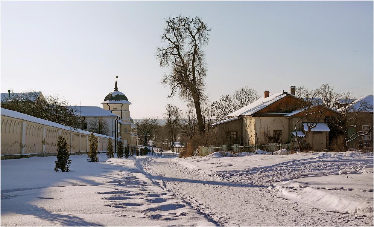 За монастырской оградой ( 19 февраля 2012 г.)