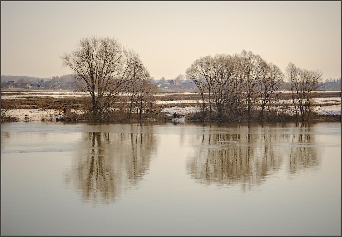 Москва река в разливе ( 14 апреля 2013 г.)