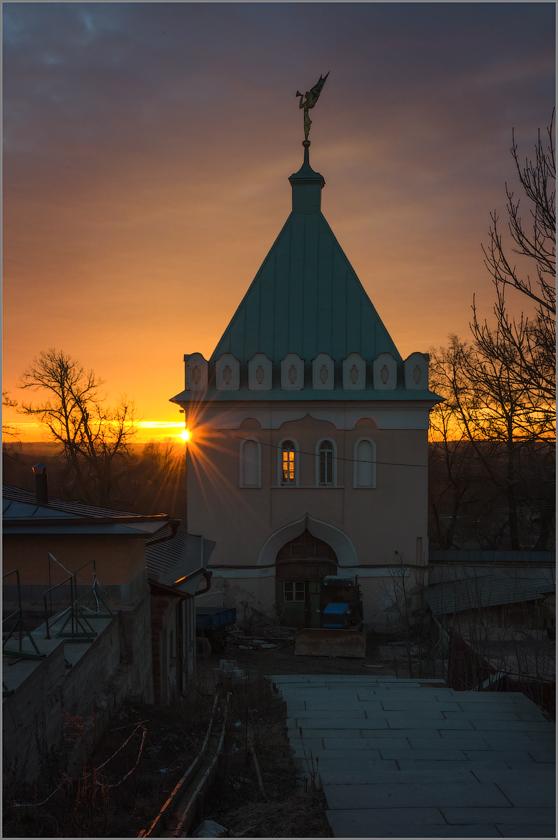 Последний отблеск солнечных лучей (снимок сделан 9 марта 2014 г.)