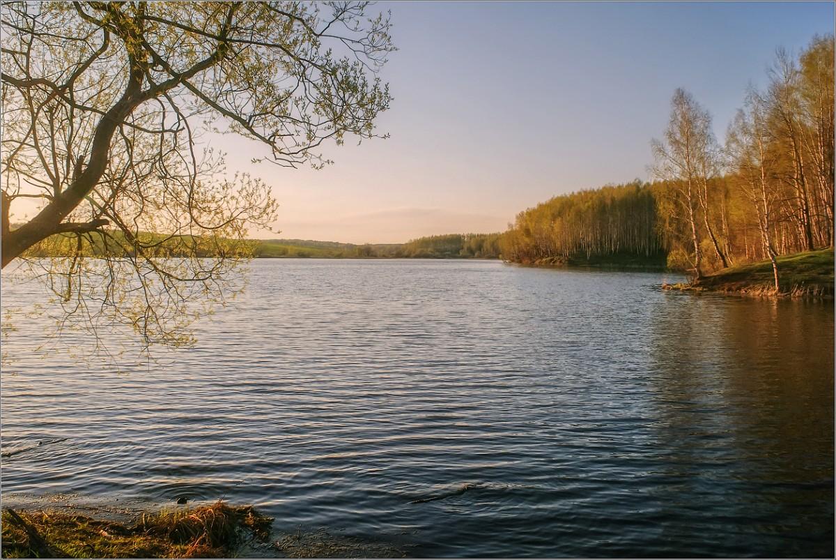 Большое озеро (снимок сделан 6 мая 2011 г.)