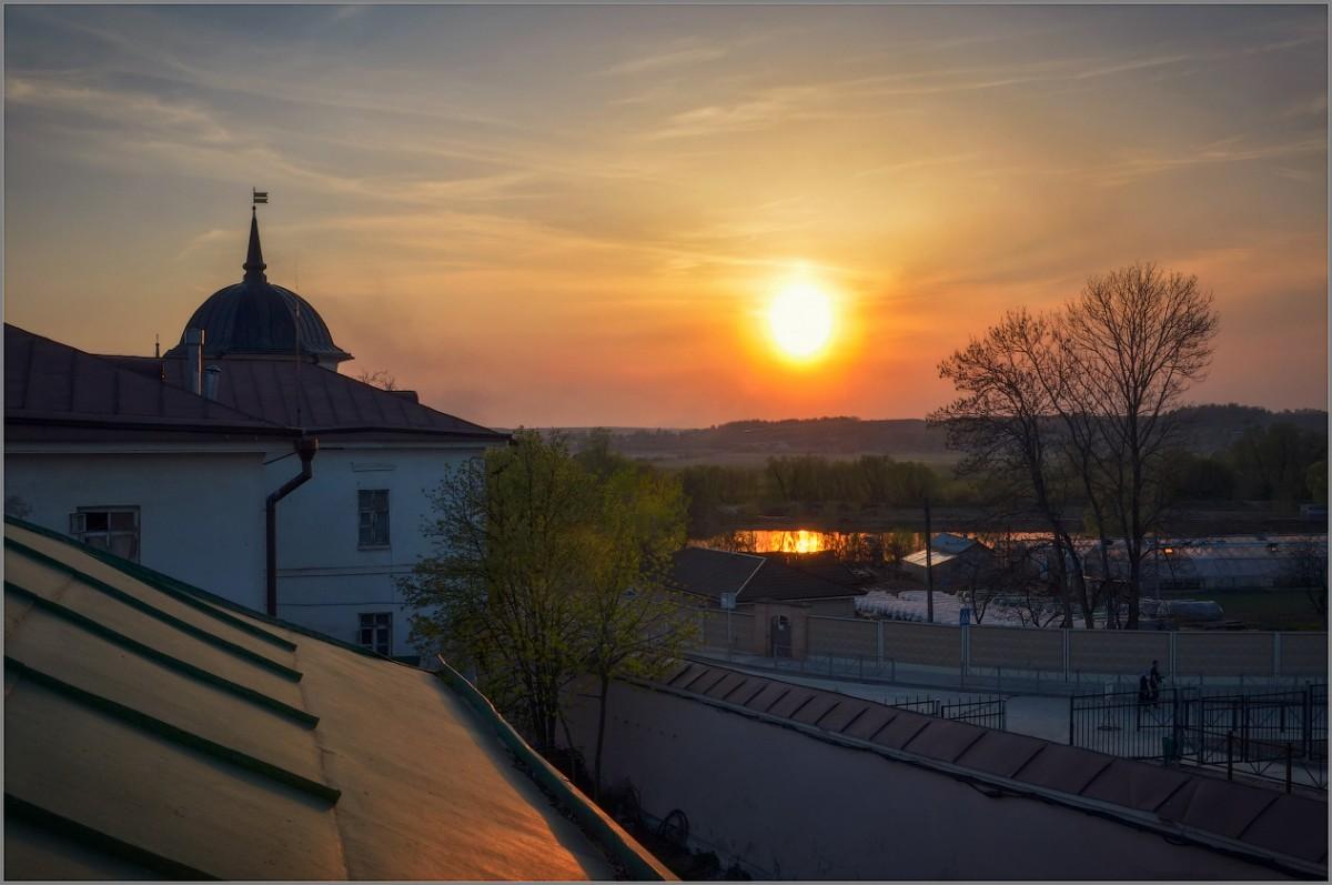 Апрельский вечер (снимок сделан 28 апреля 2012 г.)