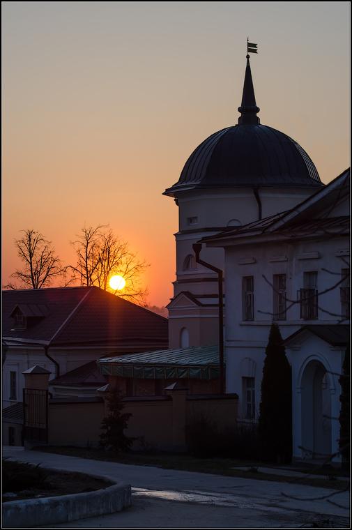 Закат, или уходящий день ( снимок сделан 17 апреля 2013 г.)