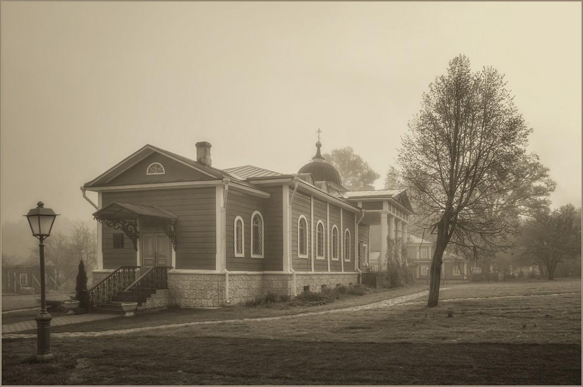 Скитской храм (снимок сделан 6 мая 2012 г.)