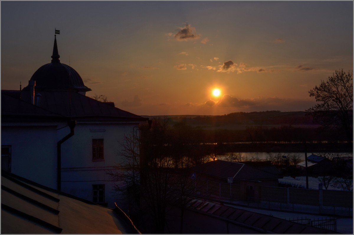 Апрельский вечер (снимок сделан 16 апреля 2012 г.)