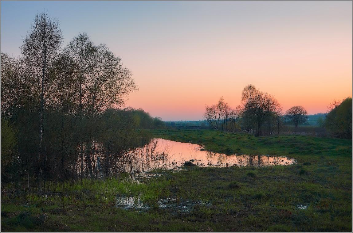 Весны прекрасные закаты ( Снимок сделан 5 мая 2013 г.)