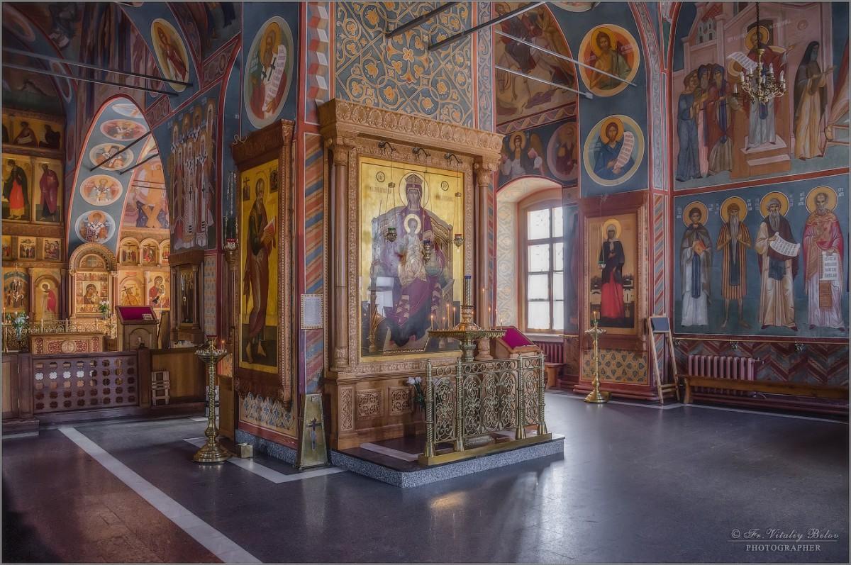 В храме 2 (снимок сделан 25 февраля 2013 г.)