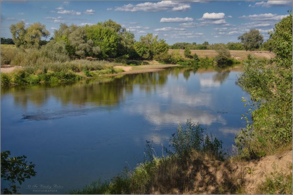 Летом на реке (снимок сделан 19 августа 2014 г.)