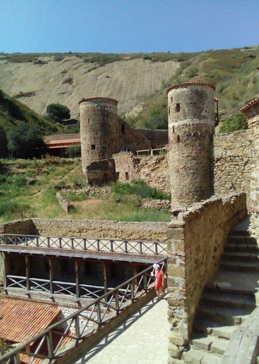 7. На верхнем ярусе монастыря