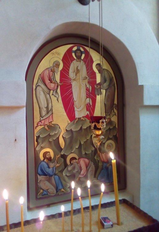 13. Икона храма - вторая справа от Царских Врат