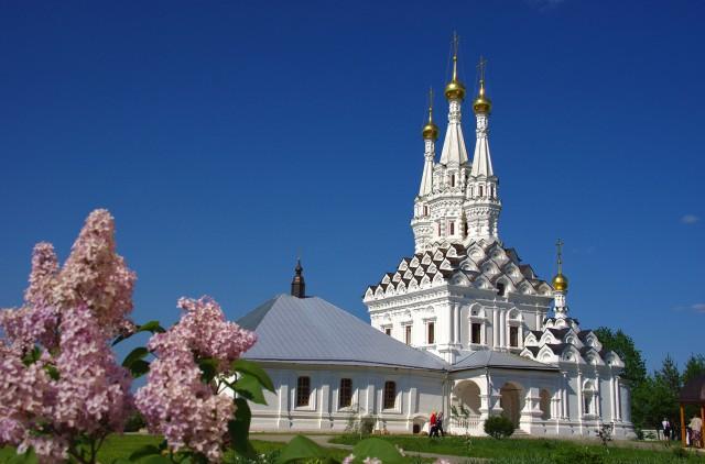 Трёхшатровая Одигитриевская церковь в г. Вязьма.jpg