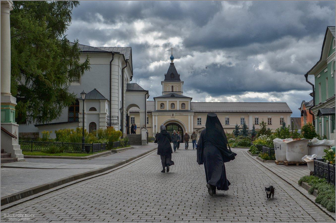 02_Пасмурный день в Оптиной (снимок сделан 10 сентября 2012 г.)