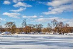 Штрихи зимы на белом покрывале