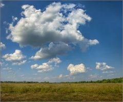 Облака над полем