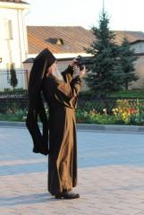 Фотографирующая Оптина.