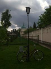 фонарь и велосипед