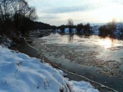 Течет река Жиздра ....  Течет она бЫстра ...