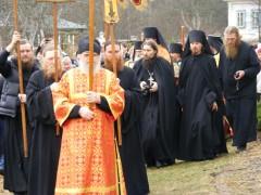 Пасха в Оптиной Пустыни 2012г  Крестный ход в Скиту