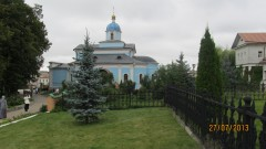 Храм в честь иконы Владимирской иконы Божьей Матери.