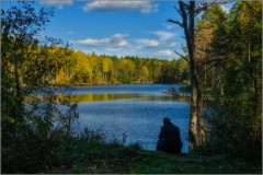 На берегу озера (снимок сделан 28 сентября 2014 г.)