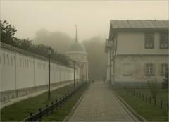 Дорога к лесу объятому туманом (снимок сделан 4 сентября 2011 г.)