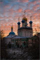 Праздничное небо над Оптиной (снимок сделан 3 декабря 2014 г.)