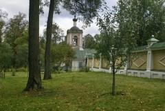 37_Западная ограда скита с видом на колокольню и хибарку преп. Амвросия