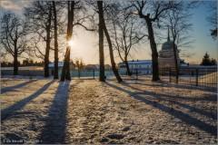 «Рисует солнце тени на снегу» (снимок сделан 29 января 2016 г.)