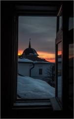 Созерцая закат ( Снимок сделан 28 февраля 2013 г.)