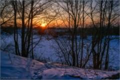 Закат одного из зимних вечеров (снимок сделан 7 февраля 2012 г.)