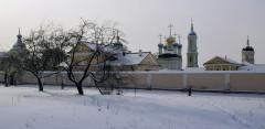 Вдоль монастырской стены (12 февраля 2012 г.)