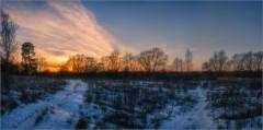 Закат малоснежной зимы (снимок сделан 27 декабря 2014 г.)