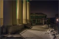 При свете ночных фонарей (снимок сделан 23 января 2017 г.)