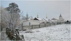 Выпал снег или ступенчатость строений ( 2 декабря 2012 г.)