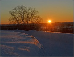 Снежный покров на закате ( 25 января 2013 г.)