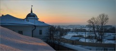 Зимний закат над крышами обители ( Снимок сдлеан 13 января 2013 г.)