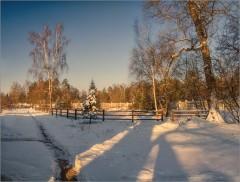 На окраине скита ( Снимок сделан 26 января 2014 г.)