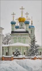 Утопая в сугробах (снимок сделан 18 января 2013 г.)