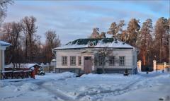 Домик в скиту ( Снимок сделан 15 января 2013 г.)