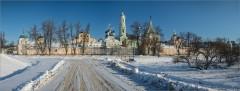 Зимний ясный день с видом на монастырь ( Снимок сделан 26 января 2014 г.)