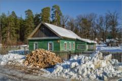 Дровишки у дома (снимок сделан 25 февраля 2013 г.)